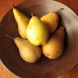 Still life of pears in a bowl