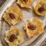 Blue cheese filo bites with pears and pecan