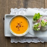 Summer Salad Rolls with carrot ginger dip