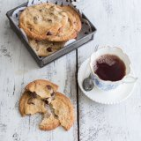 Chocolate chip cookies and tea