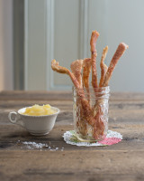 Pork Scratchings with Apple Sauce
