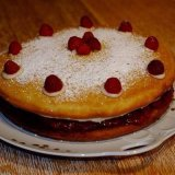 Victoria Sponge by Nadine Hartmann and Laura Legille