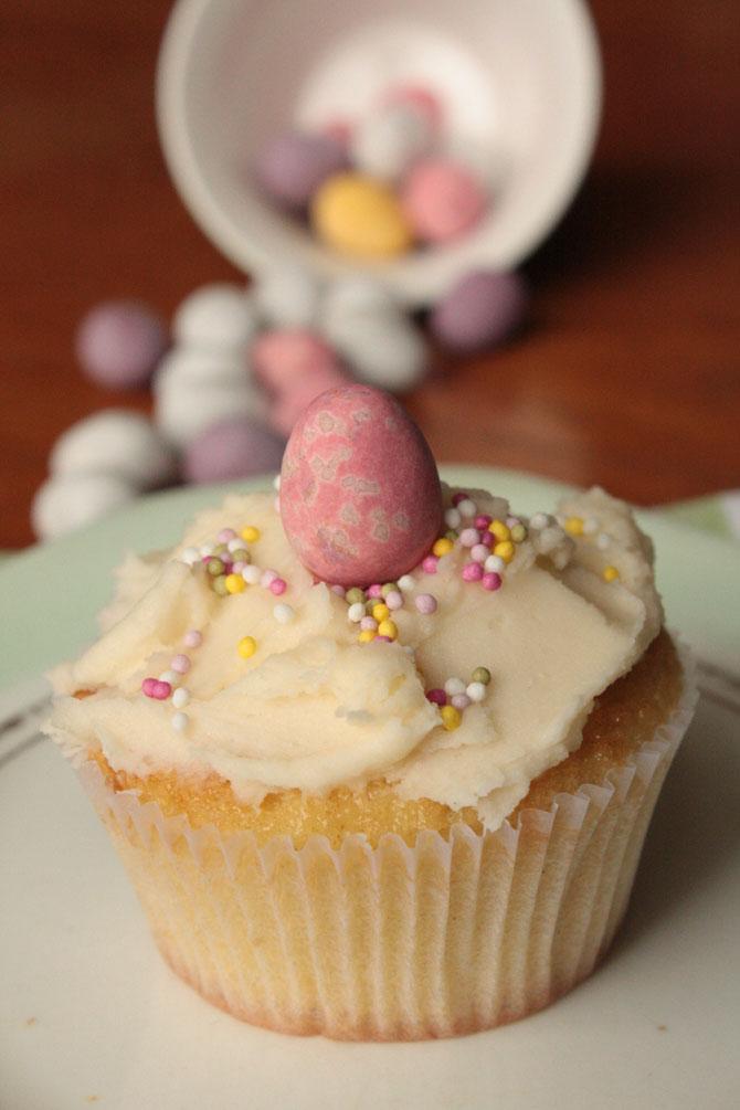 Vanilla Easter Cupcake