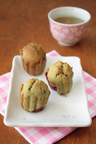 Matcha Green Tea Mini Cakes with Raspberries