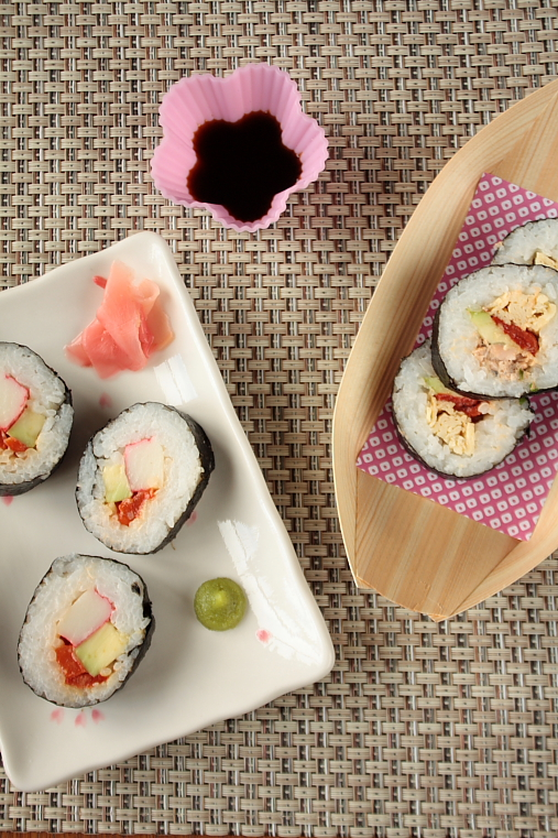 how to make sushi rolls without bamboo mat