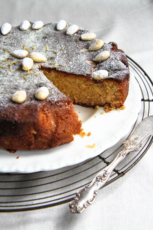 Lemon Polenta Cake Without Almonds