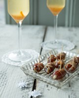 Bacon-wrapped dates with blue cheese