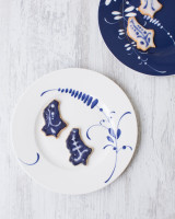 Villeroy & Boch Brindille Vieux Luxembourg plates with Luxembourgish-shaped cookies mirroring the design